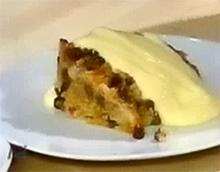 Традиционный английский десерт «Пятнистый Дик»