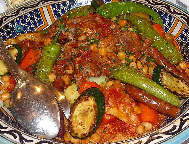 Мясо и овощи к кускусу