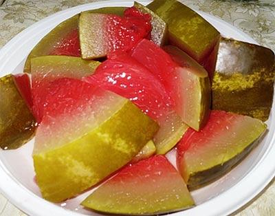 Соленые арбузы из бочки