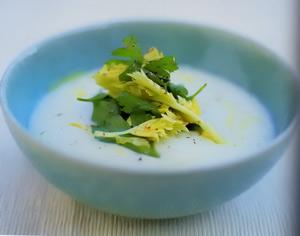 Суп из сельдерея с трюфелевым маслом