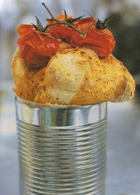 Медленно приготовленный хлеб с помидорами