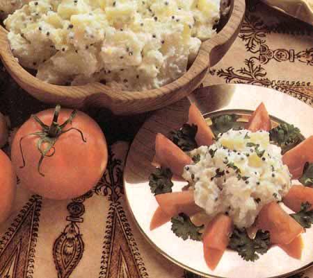 Индийский салат из картофеля и кокосового ореха