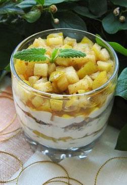 Карамельно-яблочный десерт