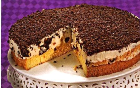Сметанно-творожный торт с черносливом