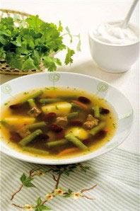 Суп с зеленой стручковой и красной фасолью