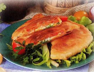 Чебуреки с помидором и сыром