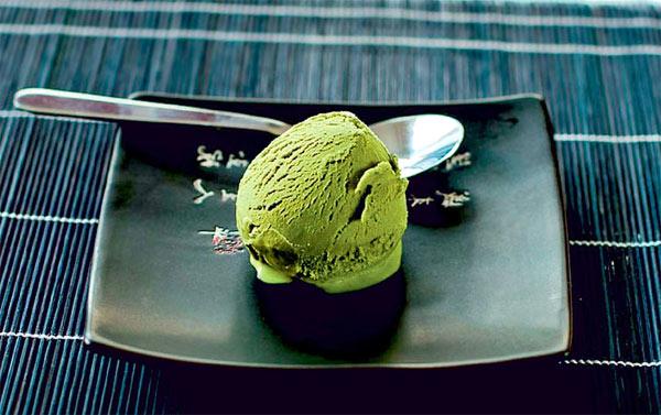 Японское мороженое с зеленым чаем и коньяком для Густава Водички