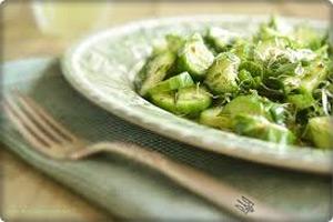"""Салат из огурцов """"Зеленые человечки"""""""