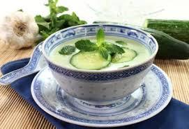 Суп из свежих огурцов с морковью