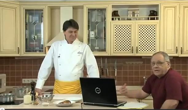 Клуб Вкусно! Первый выпуск. 2 рецепта салата из курицы